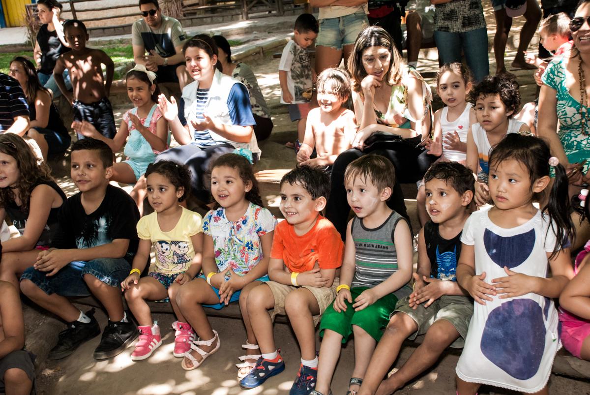 show animado no Buffet Pet Zoo, Cotia, São Paulo, aniversário de Maria Clara 4 anos, Buffet Pet Zoo, Cotia, São Paulo, tema da festa Dora a Aventureira