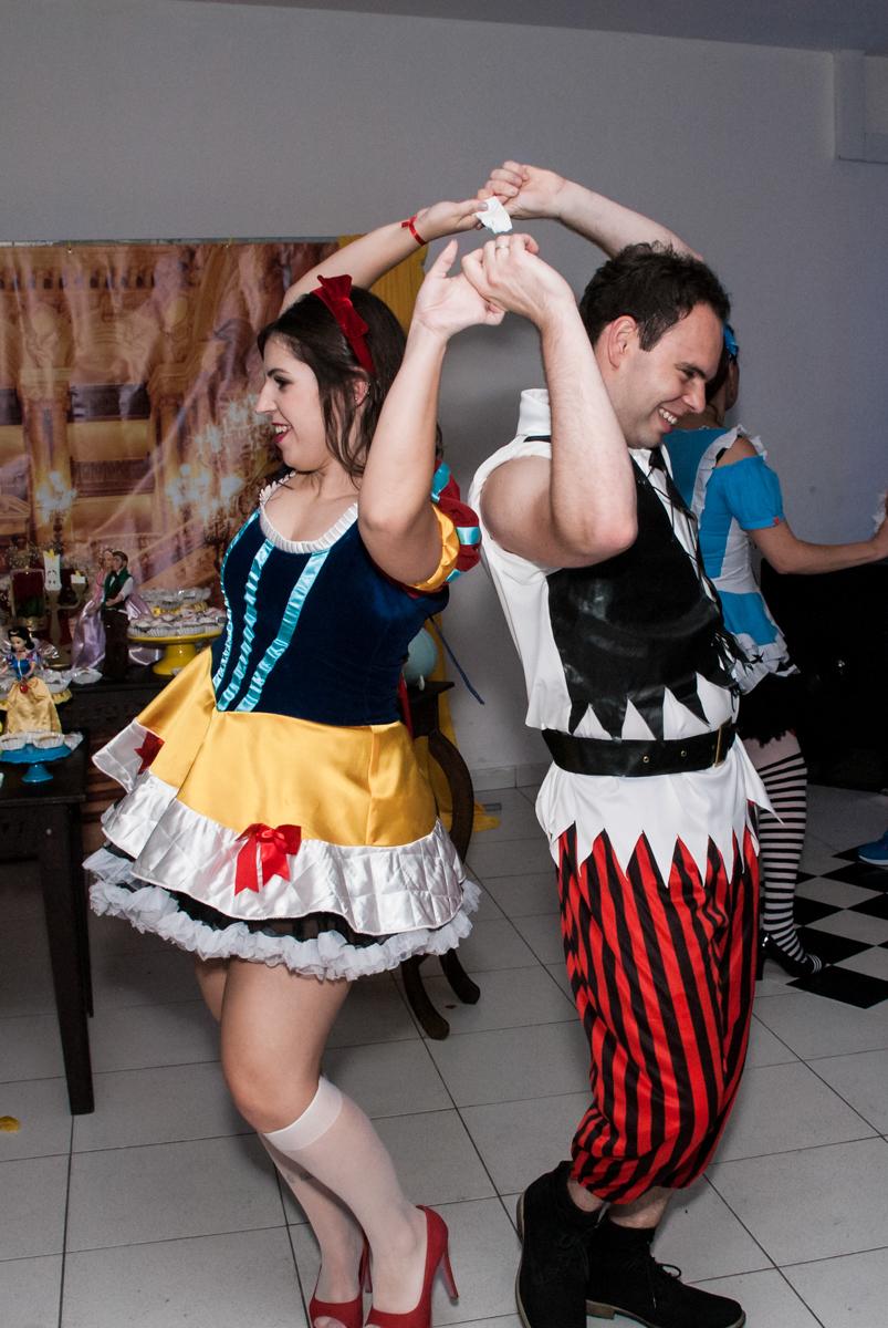 inicio da balada no Salão de festas, Imirim São Paulo, aniversário de Patricia 40 anos, tema da festa Princesas