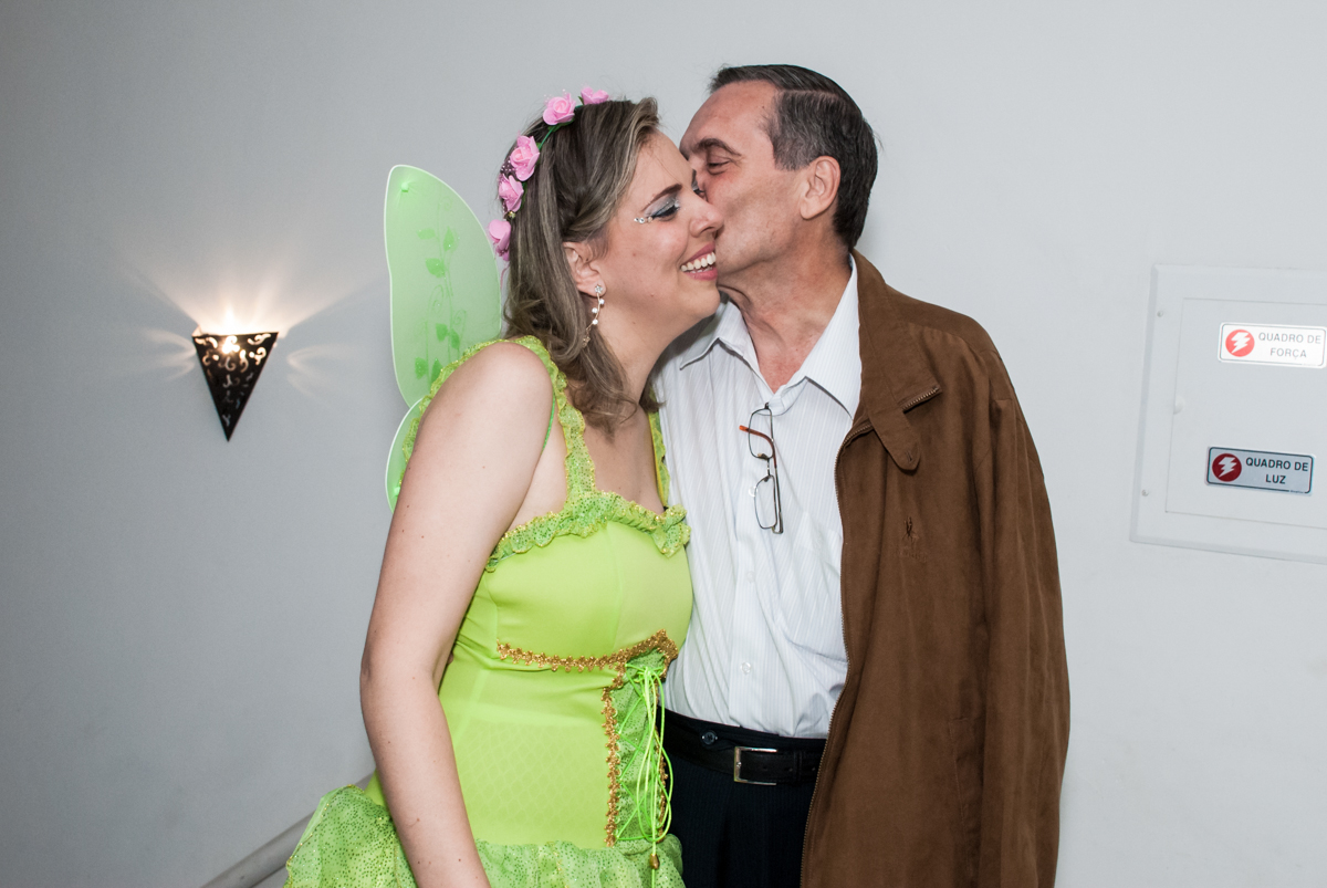 recebendo o convidado para sua festa o Salão de festas, Imirim São Paulo, aniversário de Patricia 40 anos, tema da festa Princesas