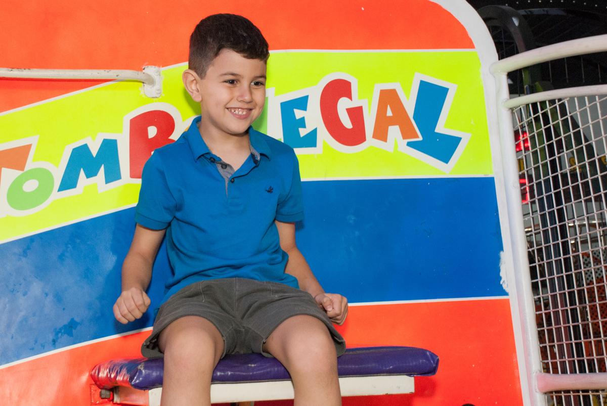 vai cair no tombo legal no Buffet Fábrica da Alegria, Morumbi, São Paulo, aniversario de Pedro Henrique 7 anos, tema da festa mini craft