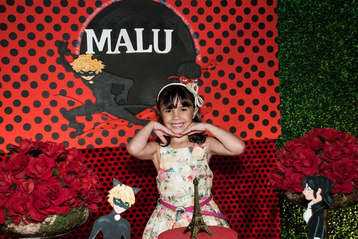 pose de princesa no Buffet Planeta Prime, São Paulo, aniversário de Malu 5 anos, tema da festa Miráculos