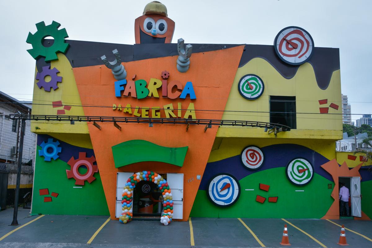 Buffet Fábrica da Alegria Morumbi São Paulo, aniversário de Henrique 6 anos tema da festa Dragon Bol Z