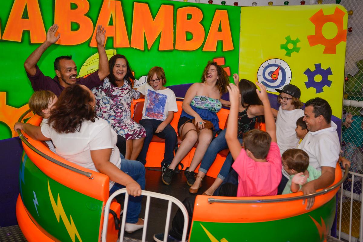 labamba divertido no Buffet Fábrica da Alegria Morumbi São Paulo, aniversário de Henrique 6 anos tema da festa Dragon Bol Z
