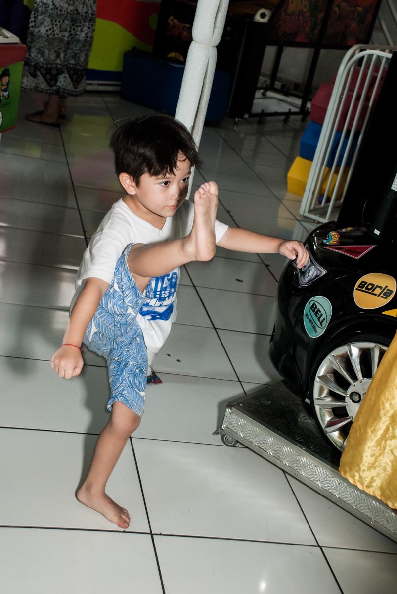 x box é só diversão Buffet Fábrica da Alegria Morumbi, São Paulo, aniversário de João Pedro 4 anos tema da festa Batman
