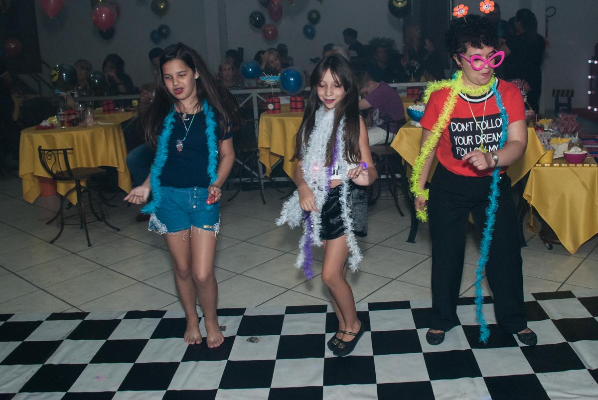 balada animada no Buffet Fábrica da Alegria, Osasco, São Paulo, aniversário de Matheus 9 anos tema da festa Super Heróis