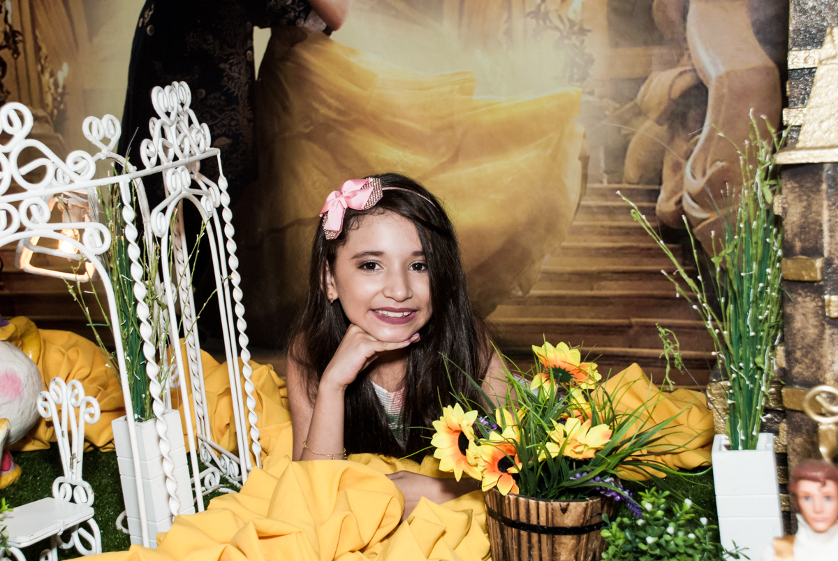 uma verdadeira princesa no Buffet Fábrica da Alegria, Osasco São Paulo, aniversário de Vitória 9 anos, tema da festa A Bela e a Fera
