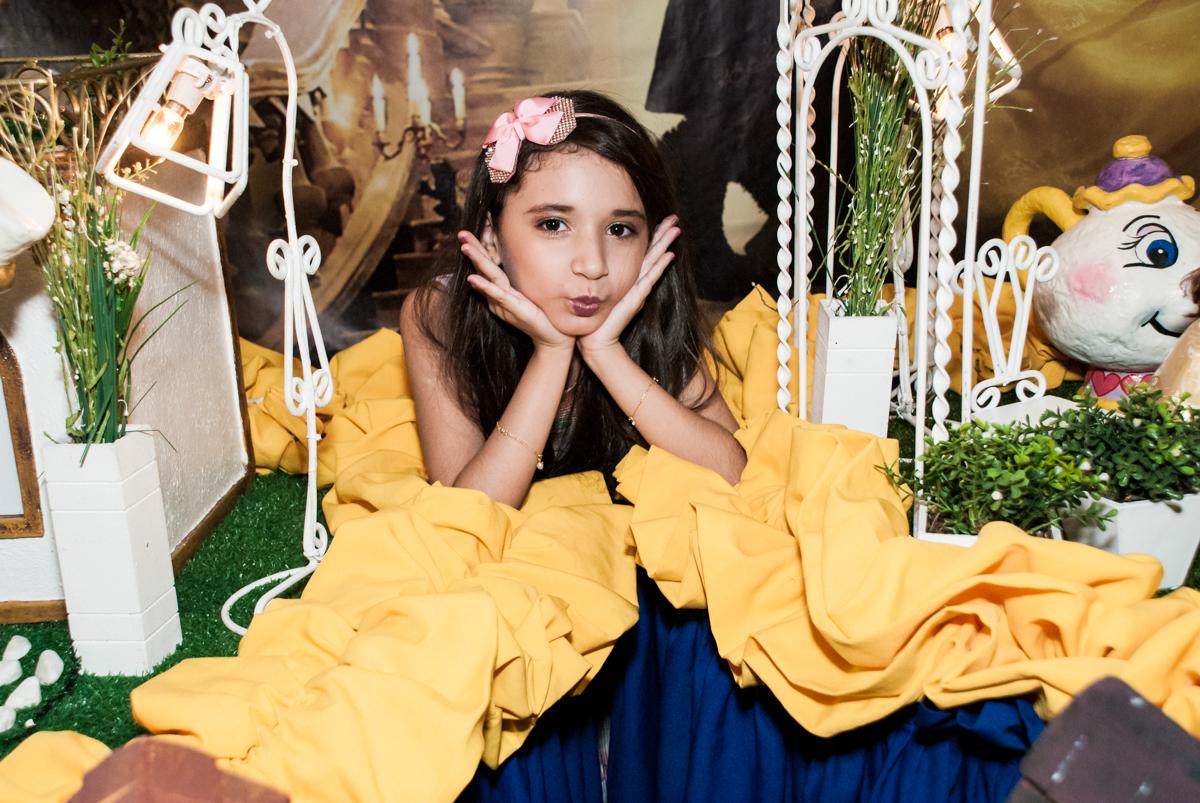 princesa linda no Buffet Fábrica da Alegria, Osasco São Paulo, aniversário de Vitória 9 anos, tema da festa A Bela e a Fera