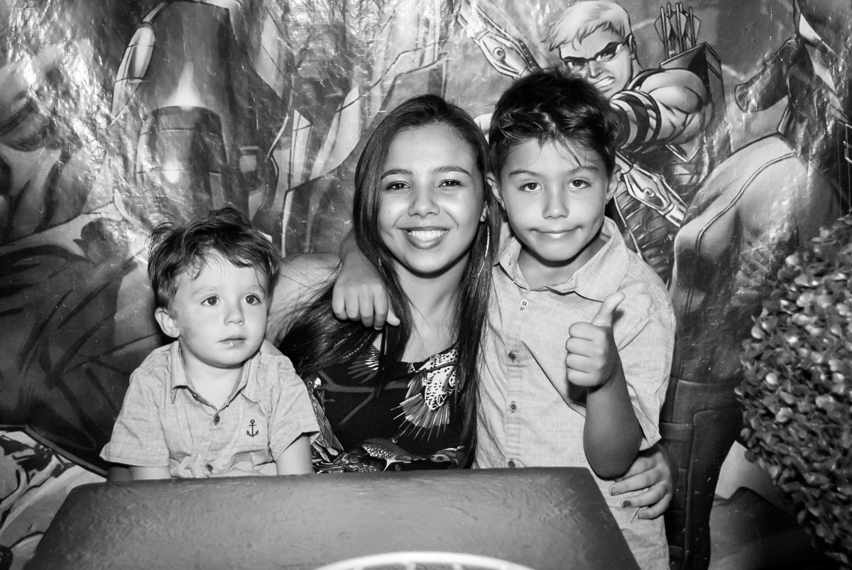 amigos queridos na festa no Buffet Fábrica da Alegria, Osasco, São Paulo, aniversario de Carlos Eduardo 7 e Davi Lucas 3 anos, tema da festa Os Vingadores