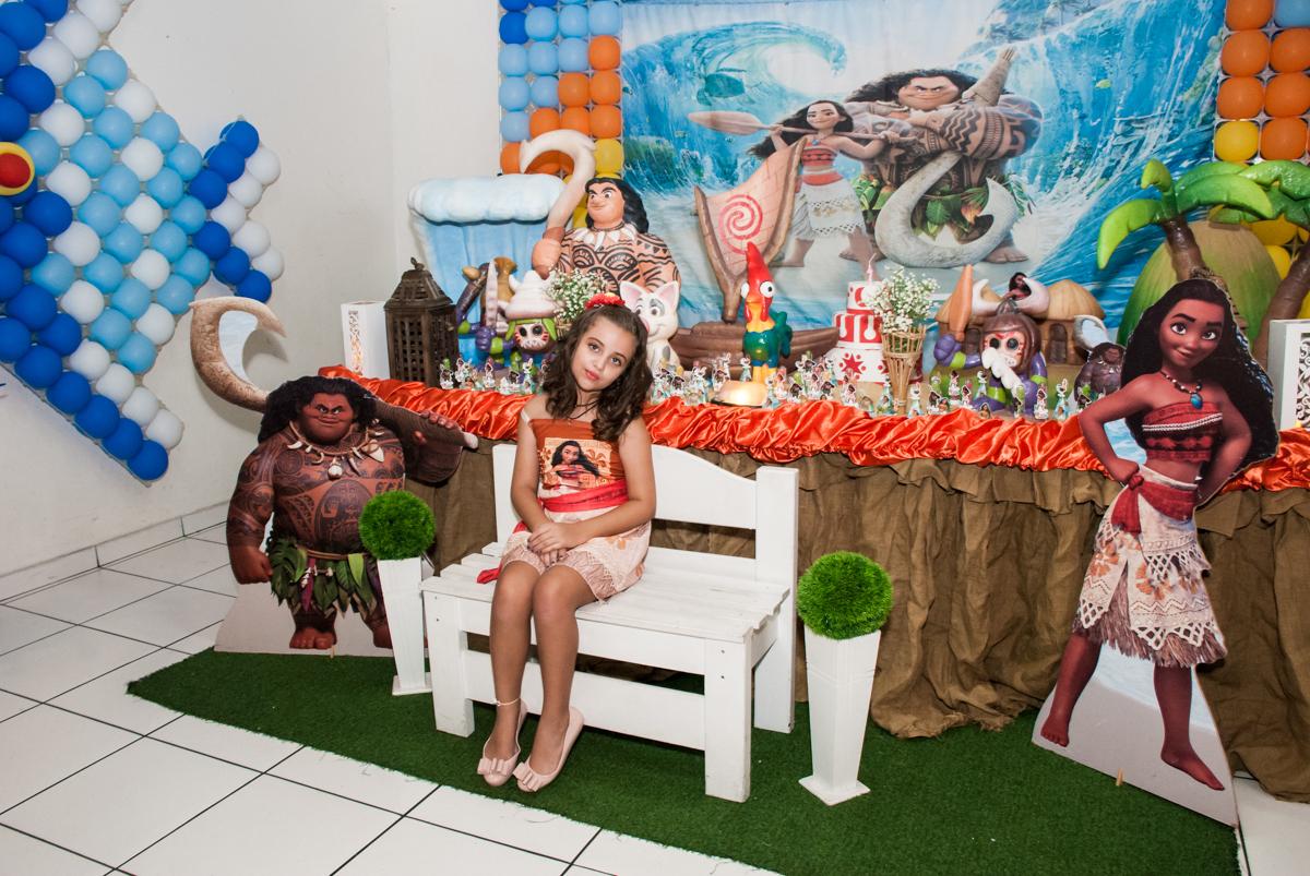 foto na mesa trmática no Buffet Mundo da Lua Butantã, São Paulo, aniversaário de Maria Eduarda 7 anos, Buffet Mundo da Lua, Butantã, São Paulo