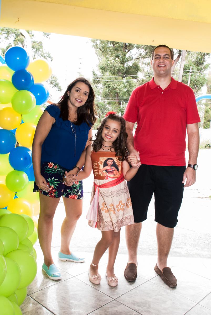 entrada da família para a festa no Buffet Mundo da Lua Butantã, São Paulo, aniversaário de Maria Eduarda 7 anos, Buffet Mundo da Lua, Butantã, São Paulo