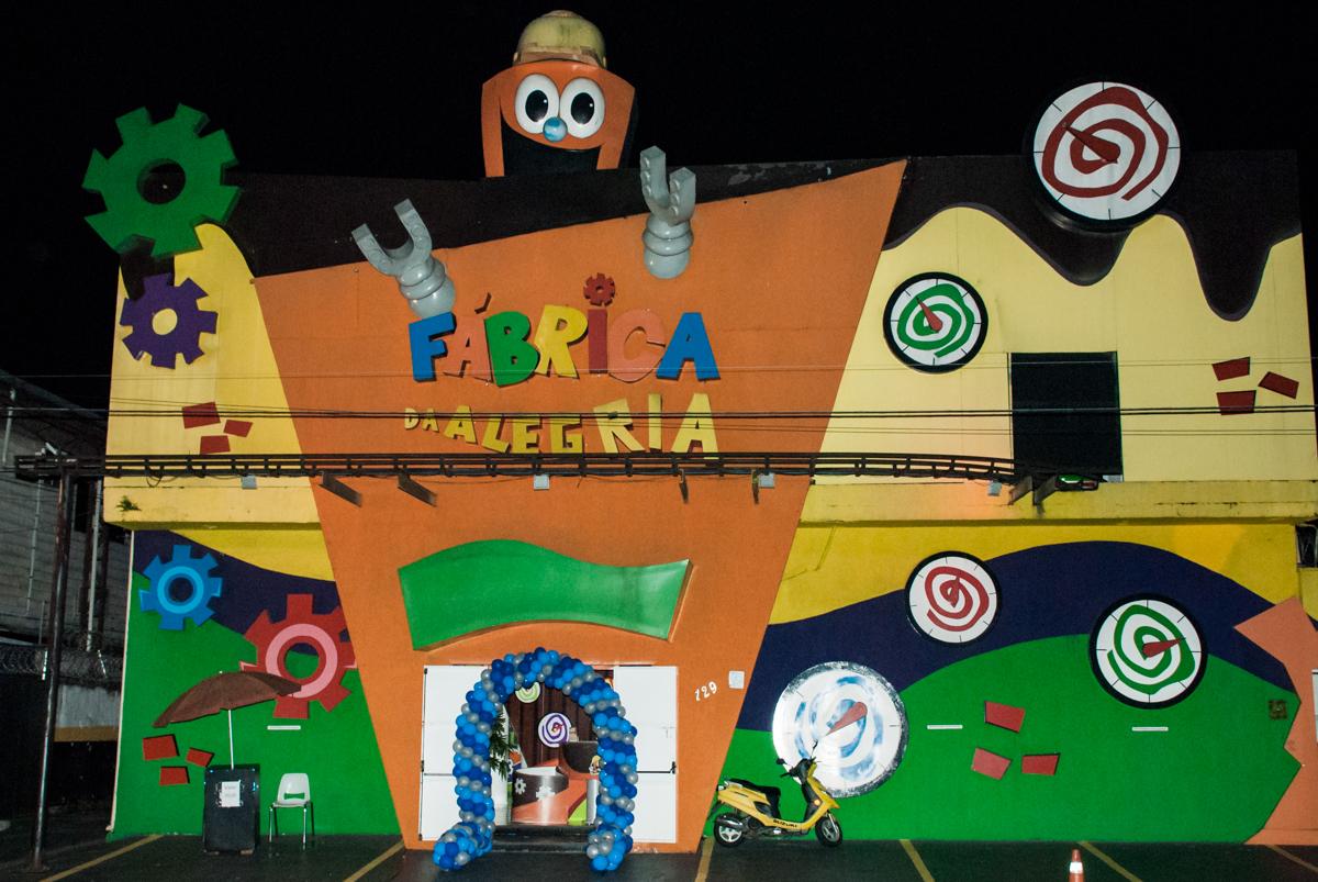 Buffet Fábrica da Alegria, Morumbi, São Paulo, aniversário de Felipe 8 Fernanda 5 tema da fersta Star wars