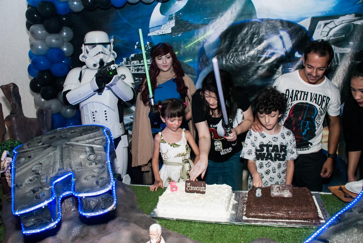 parabéns animado no Buffet Fábrica da Alegria, Morumbi, São Paulo, aniversário de Felipe 8 Fernanda 5 tema da fersta Star wars
