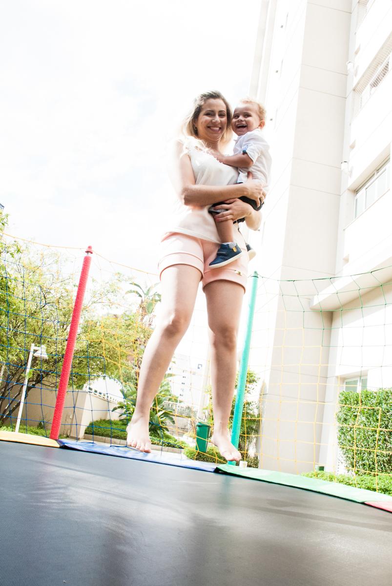 pula pula com a mamãe no Condominio, Morumbi, São Paulo, tema da festa super wings