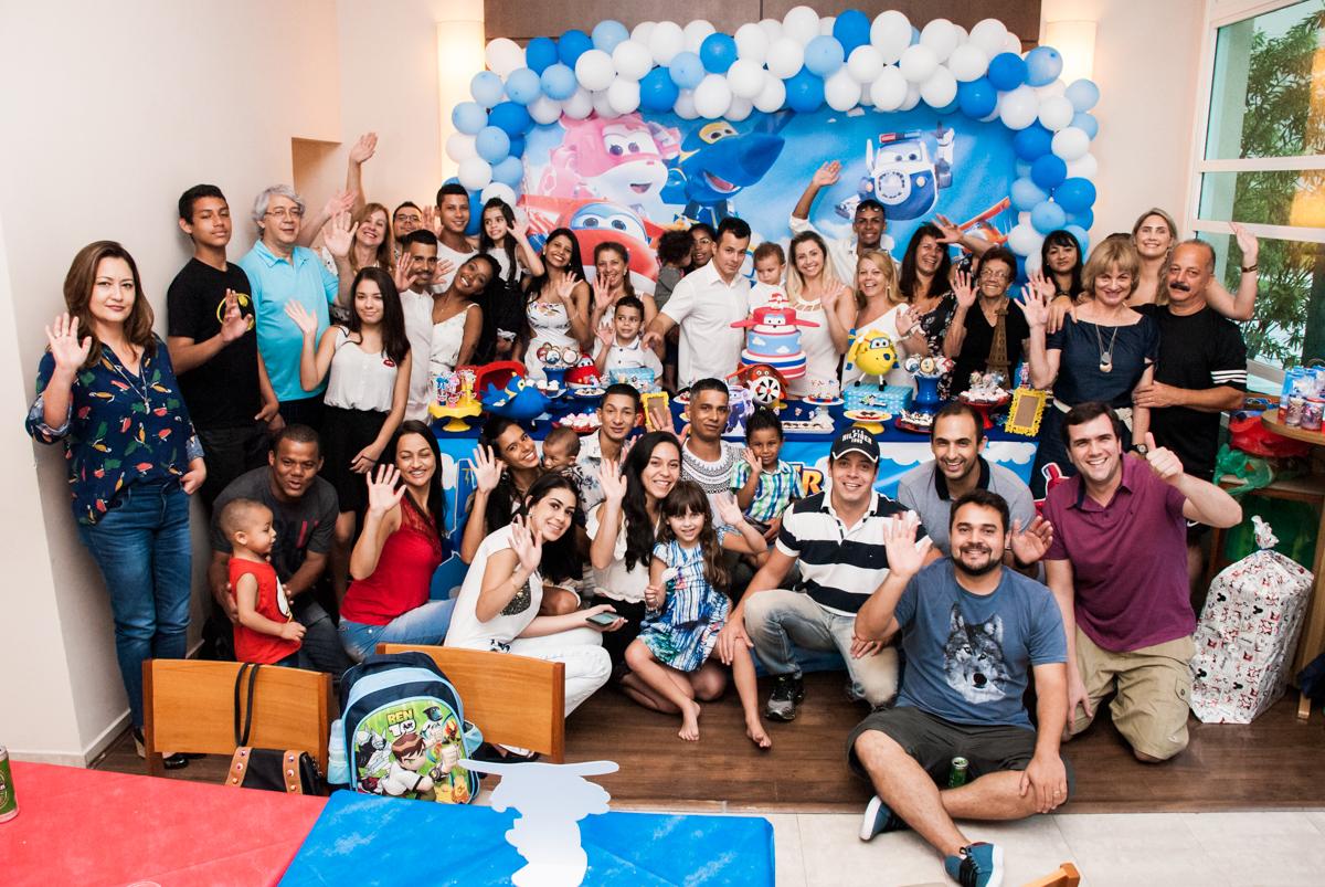final da festa no Condominio, Morumbi, São Paulo, tema da festa super wings