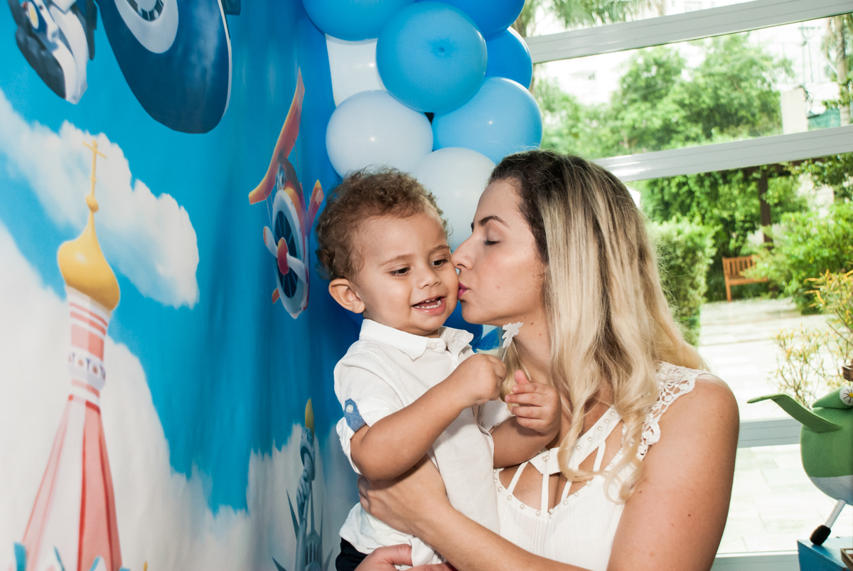 beijo gostoso no Condominio, Morumbi, São Paulo, tema da festa super wings