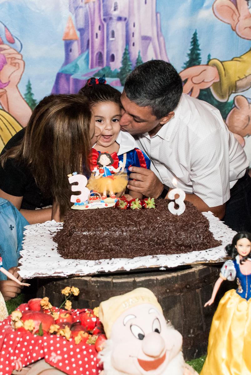beijinho do papai no Buffet Planeta Kids, niversario Larissa 3 anos, tema da festa Branca de Neve
