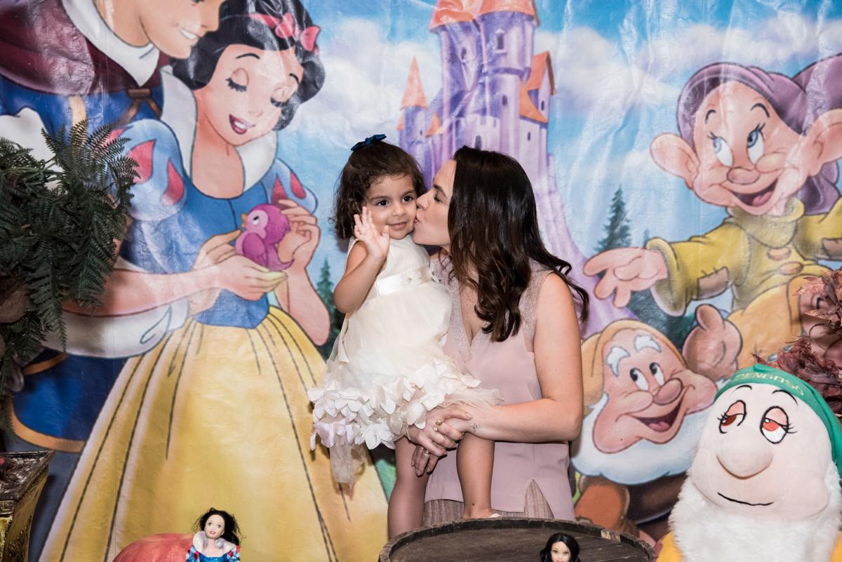 beijinho da madrinha no Buffet Planeta Kids, Lapa, São Paulo, aniversario de Sarah 8 anos, tema da festa Unicórnio