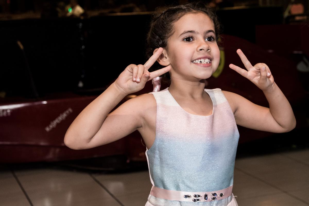 diversão garantida no x box no Buffet Planeta Kids, Lapa, São Paulo, aniversario de Sarah 8 anos, tema da festa Unicórnio