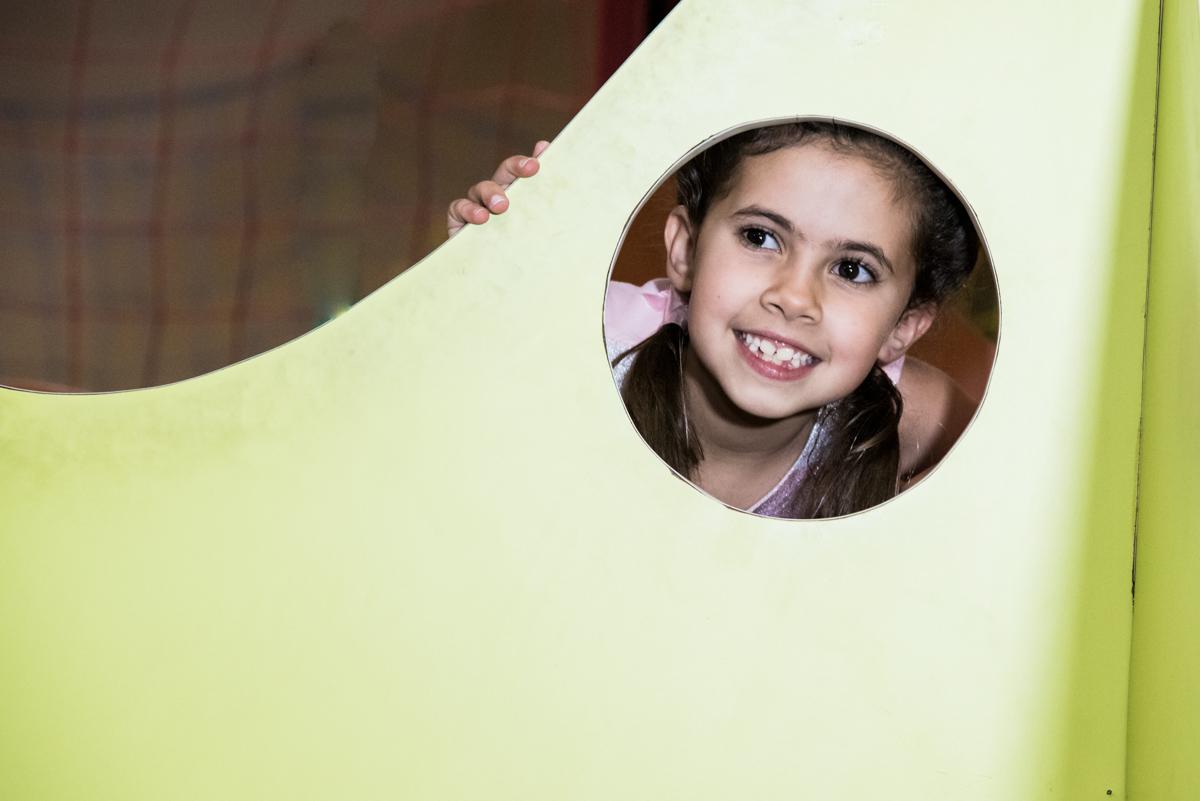 foto da prima no Buffet Planeta Kids, Lapa, São Paulo, aniversario de Sarah 8 anos, tema da festa Unicórnio