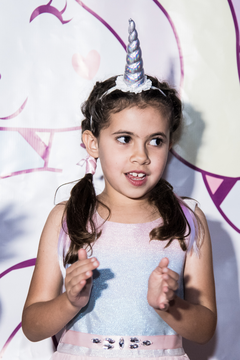 parabéns animado no Buffet Planeta Kids, Lapa, São Paulo, aniversario de Sarah 8 anos, tema da festa Unicórnio