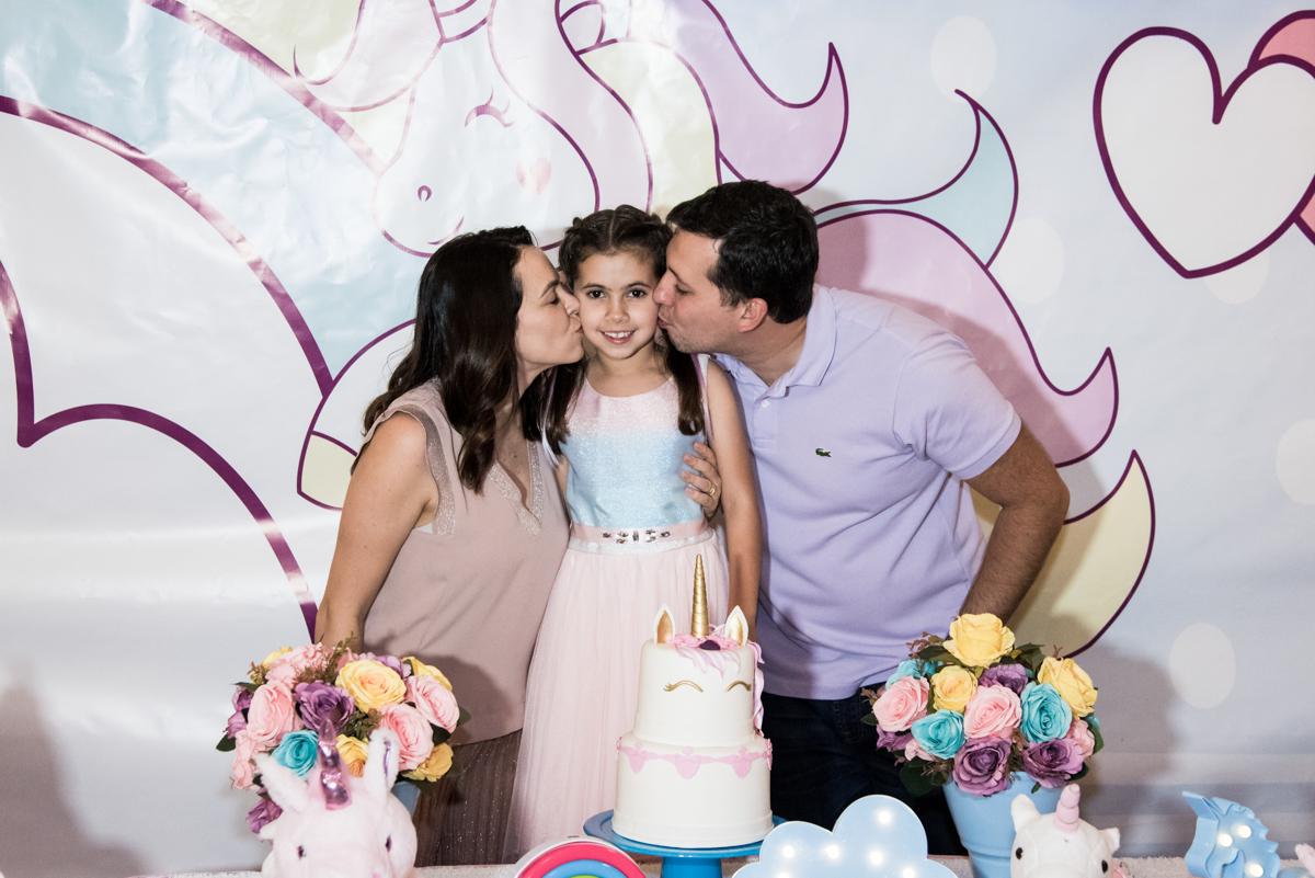 beijinho dos pais no Buffet Planeta Kids, Lapa, São Paulo, aniversario de Sarah 8 anos, tema da festa Unicórnio
