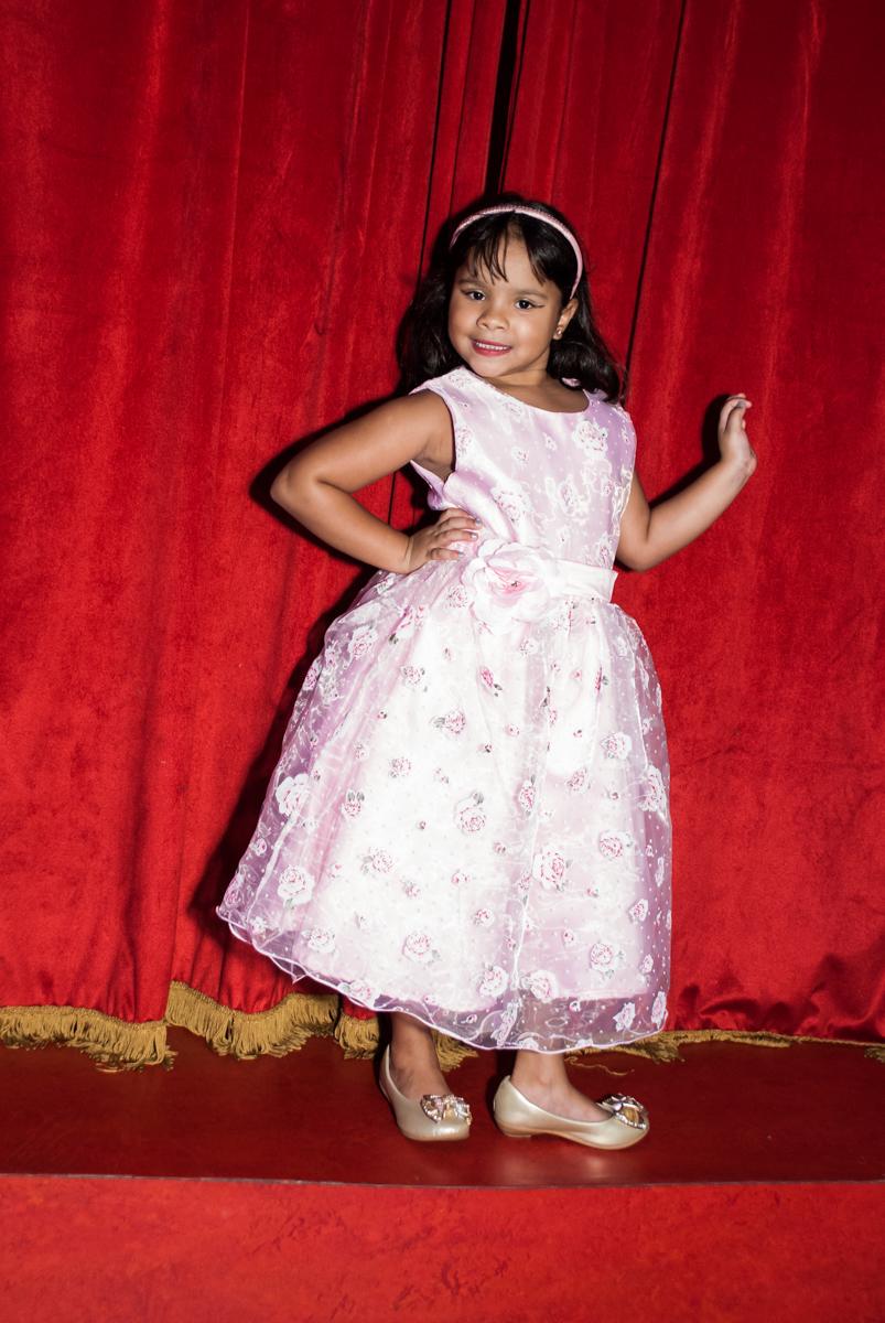modelo mirim no Buffet Casa X, Ipiranga,São Paulo, aniversário de Raquel 6 anos, tema da festa Moana