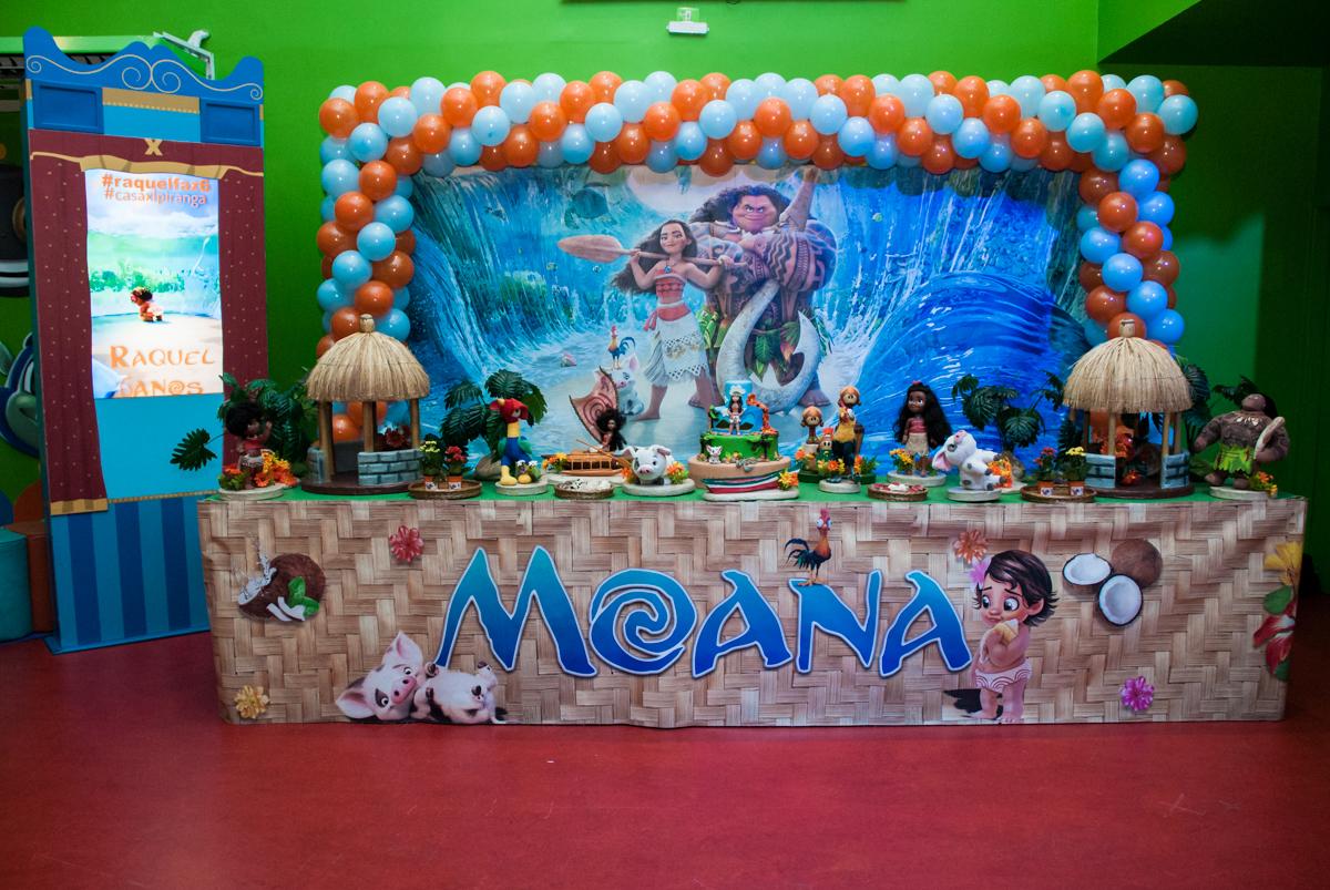 Mesa temática no Buffet Casa X, Ipiranga,São Paulo, aniversário de Raquel 6 anos, tema da festa Moana