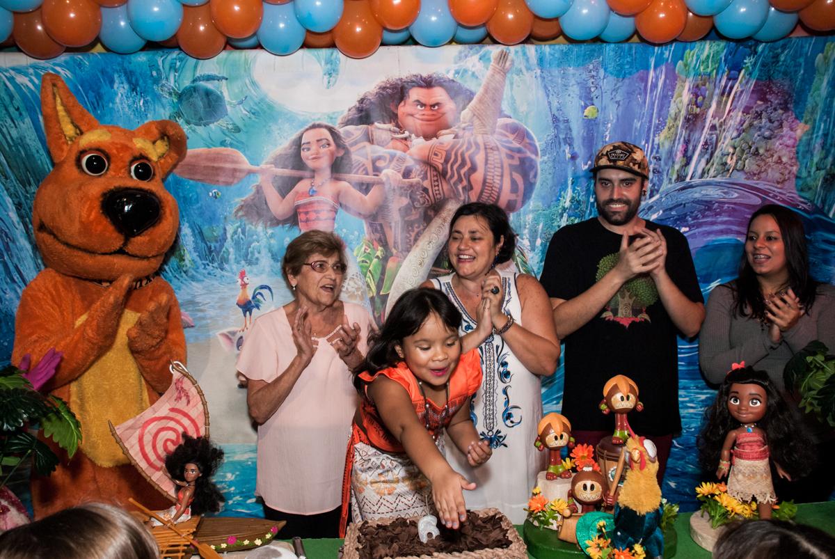 Parabéns animado no Buffet Casa X, Ipiranga,São Paulo, aniversário de Raquel 6 anos, tema da festa Moana