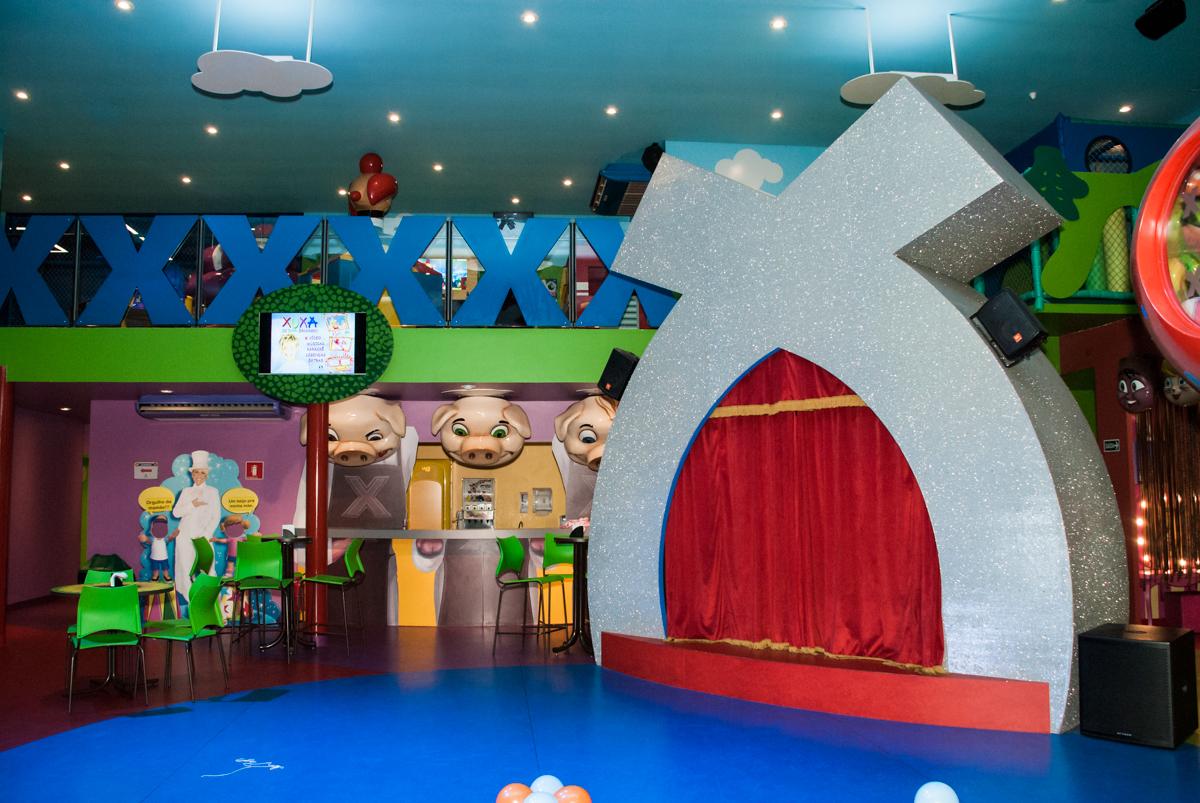 decoração no Buffet Casa X, Ipiranga,São Paulo, aniversário de Raquel 6 anos, tema da festa Moana