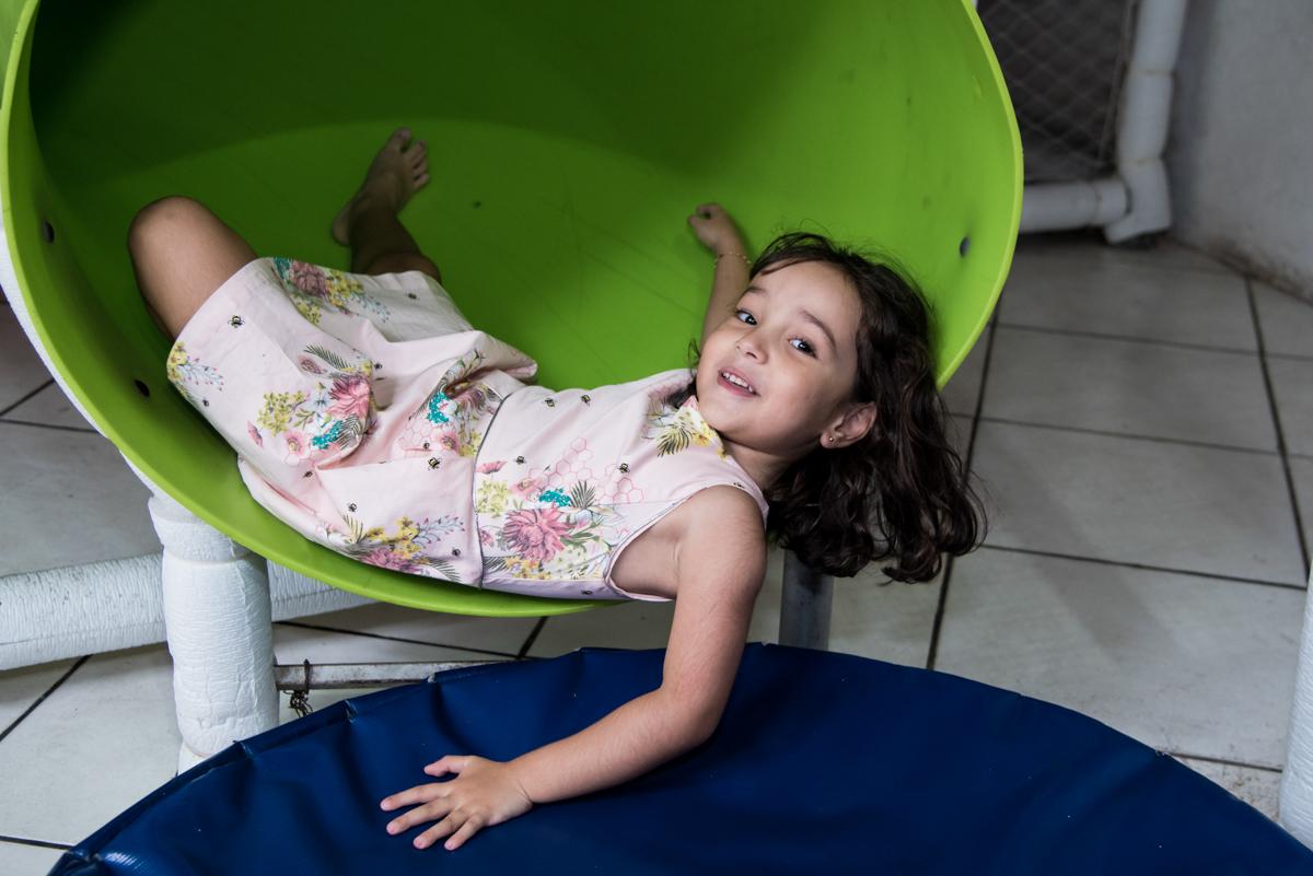 sorrisos alegres no Buffet Fabrica da Alegria, Osaco, São Paulo, aniversário de Rafaela 5 anos tema da festa Moana