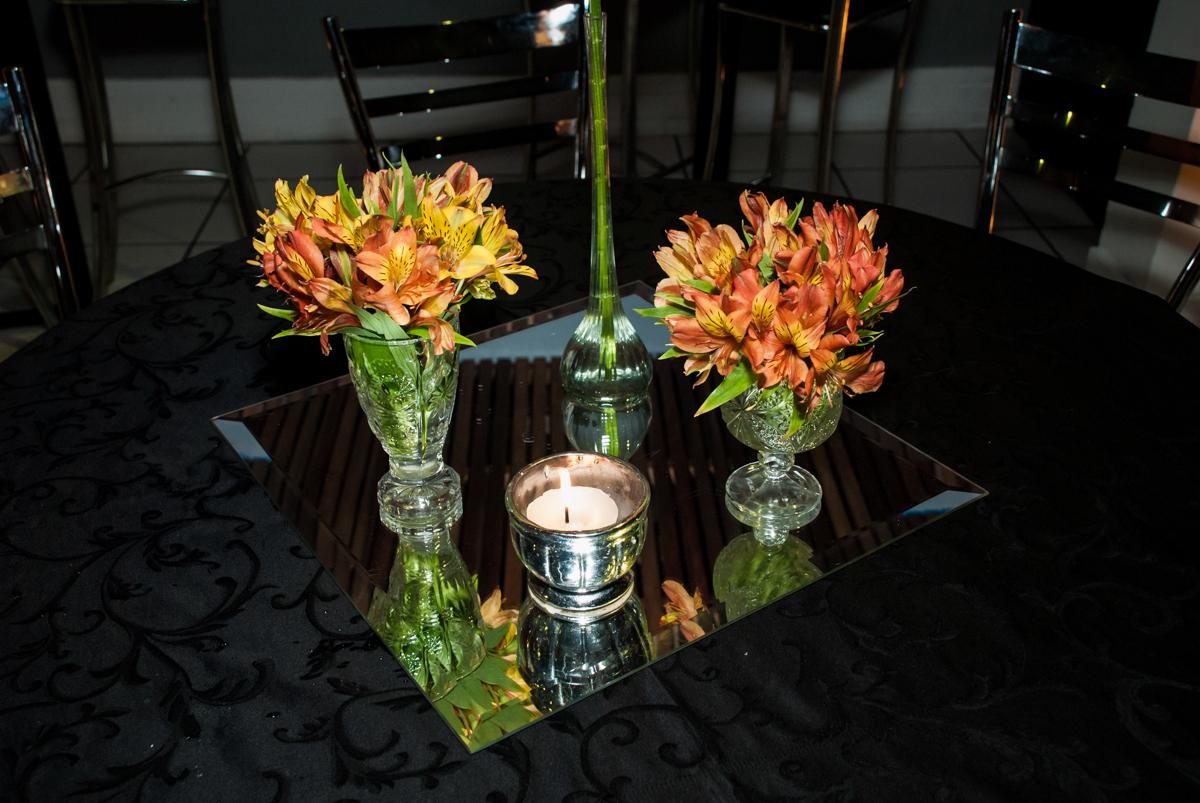 detalhe da mesa fotografia, fotografo festa adulto aniversário de Da Silva 60 anos, tema da festa fantasia