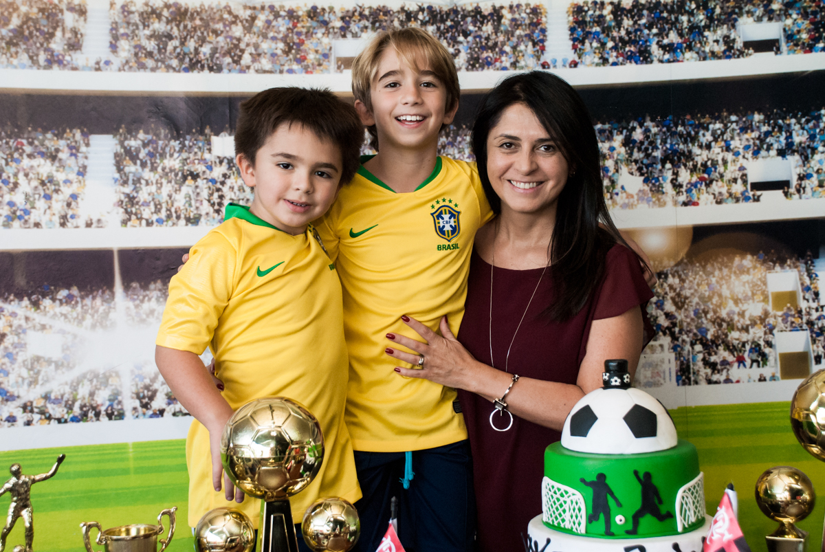 foto mãe com os filhos