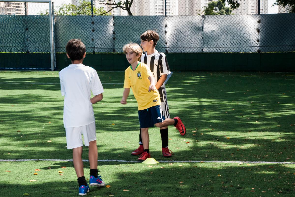futebol com os amigos