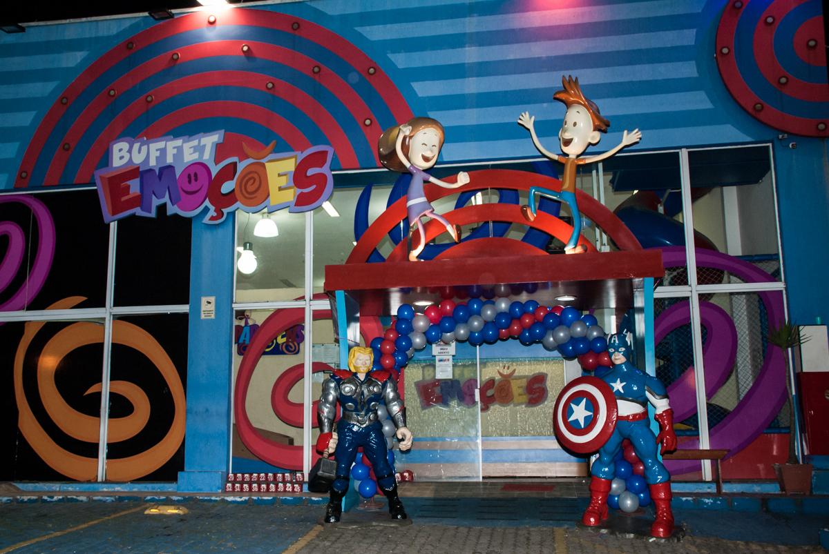 Buffet Emoções, São Paulo, aniversário de Enzo Lucca 3 anos, tema da festa Super Herois
