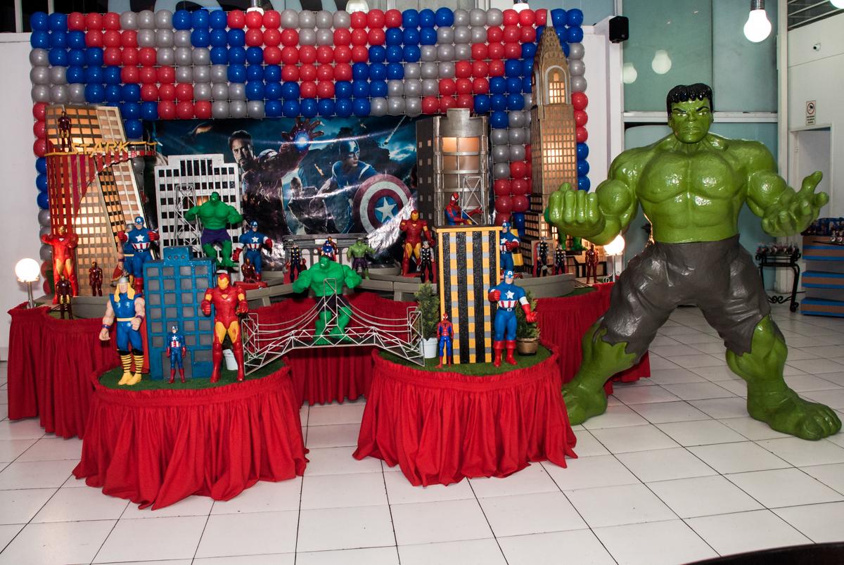 mesa do tema super heróis