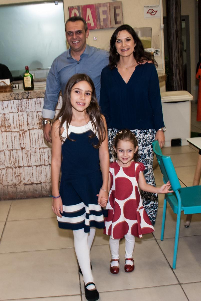 entrada da família para a festa da Clara 3 anos