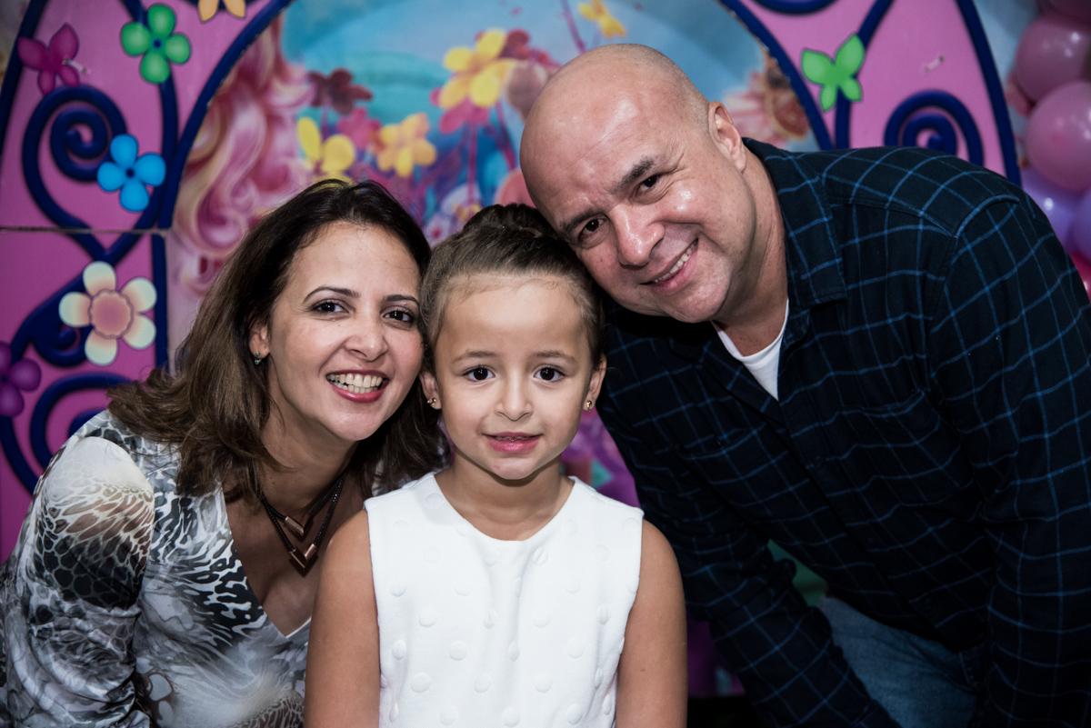 familia feliz na festa da Marina