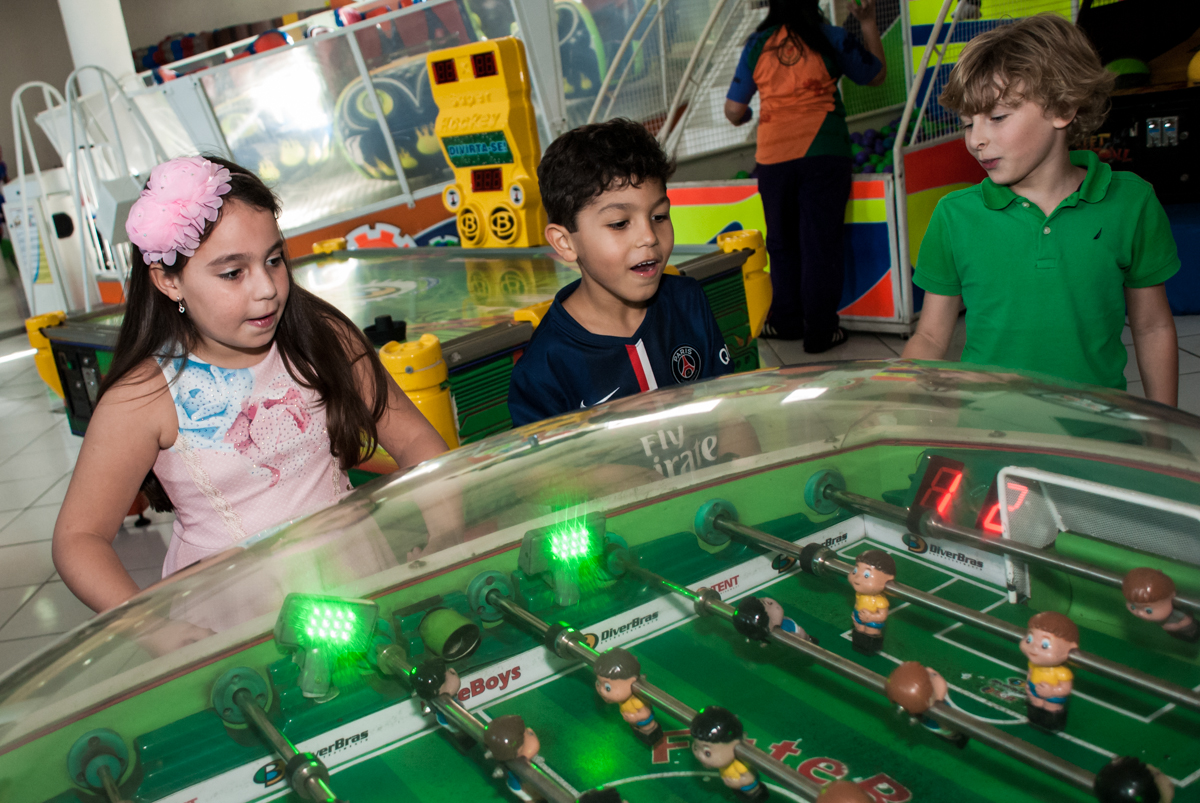 mais um jogo divertido q as crianças adoram