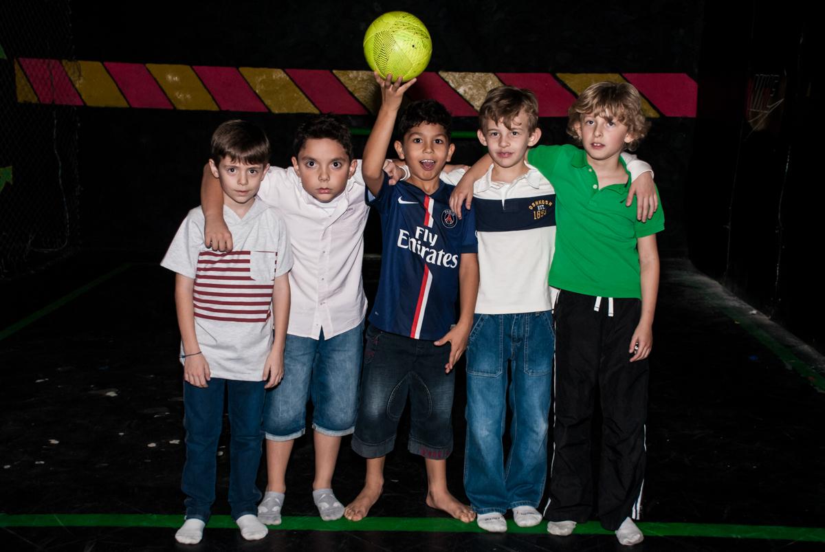 pose do time de futebol para a foto