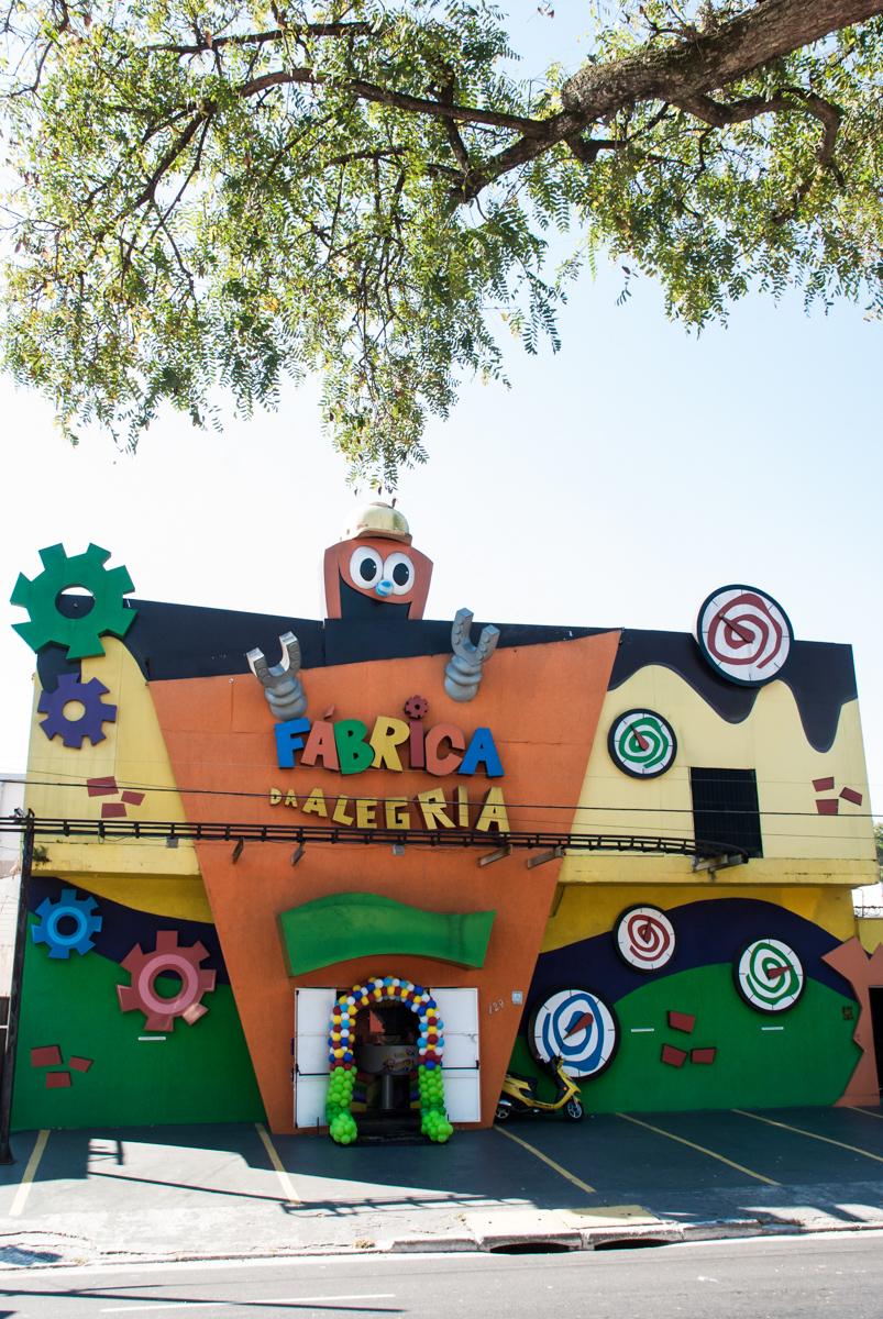 Aniversário de Lorenzo 3 anos, festa realizada no Buffet Fábrica da Alegria, Morumbi, São Paulo, tema da festa Discovery Kids