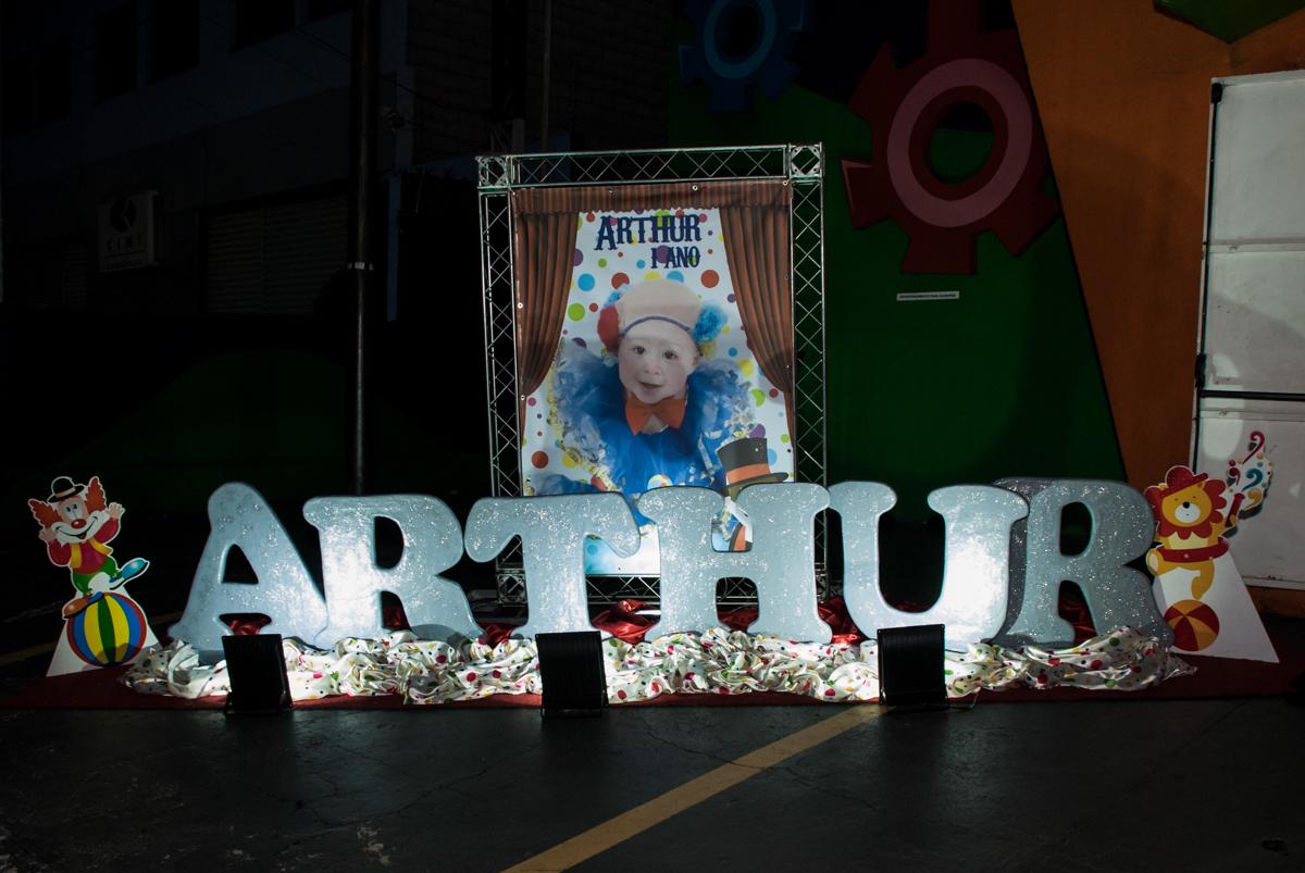 banner com a foto do Arthur