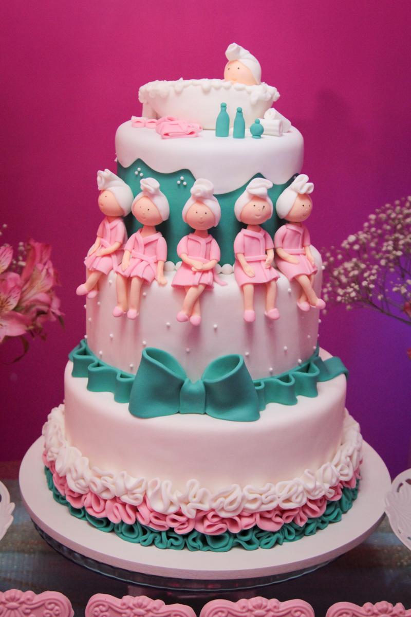 bolo decorado da festa da Giulia 10 anis