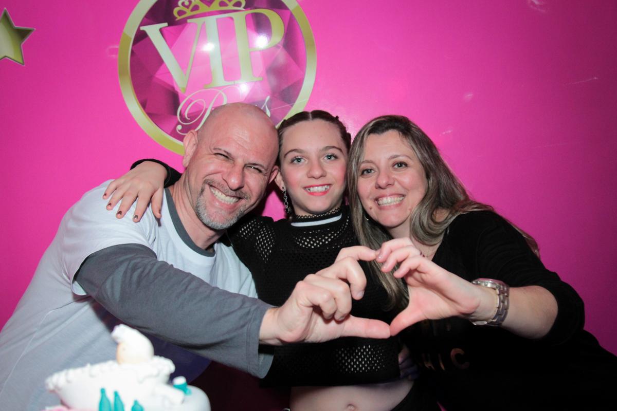os pais felizes com a giulia