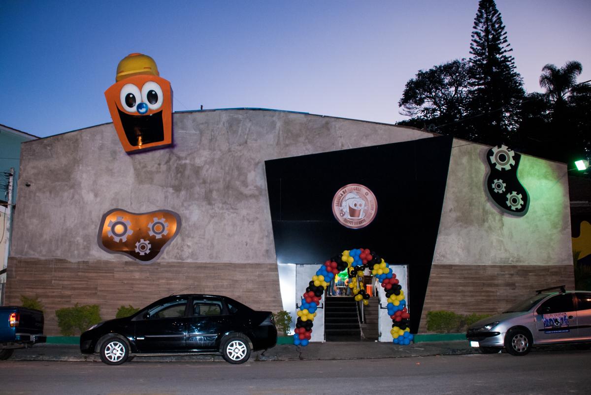 Aniversário de Felipe festa realizada no Buffet Fábrica da Alegria, Osasco, São Paulo, tema da festa you Tube