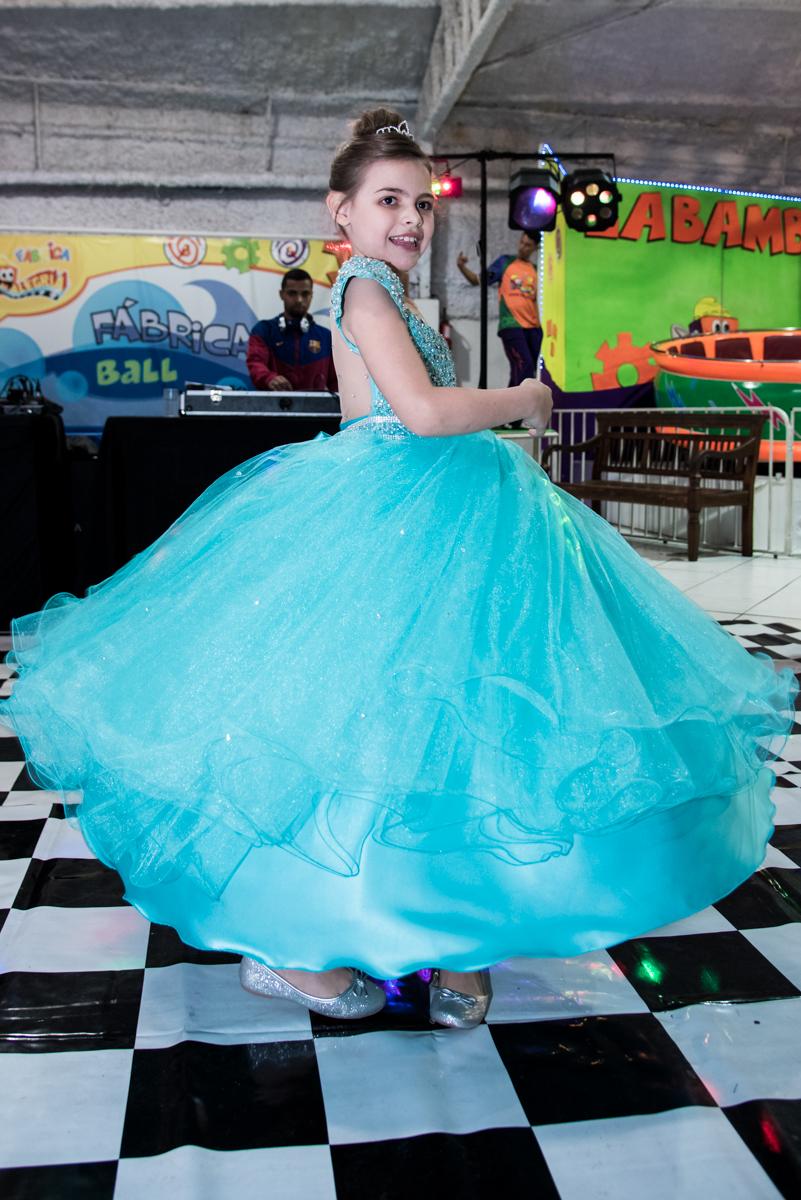 dancando como uma verdadeira princesa