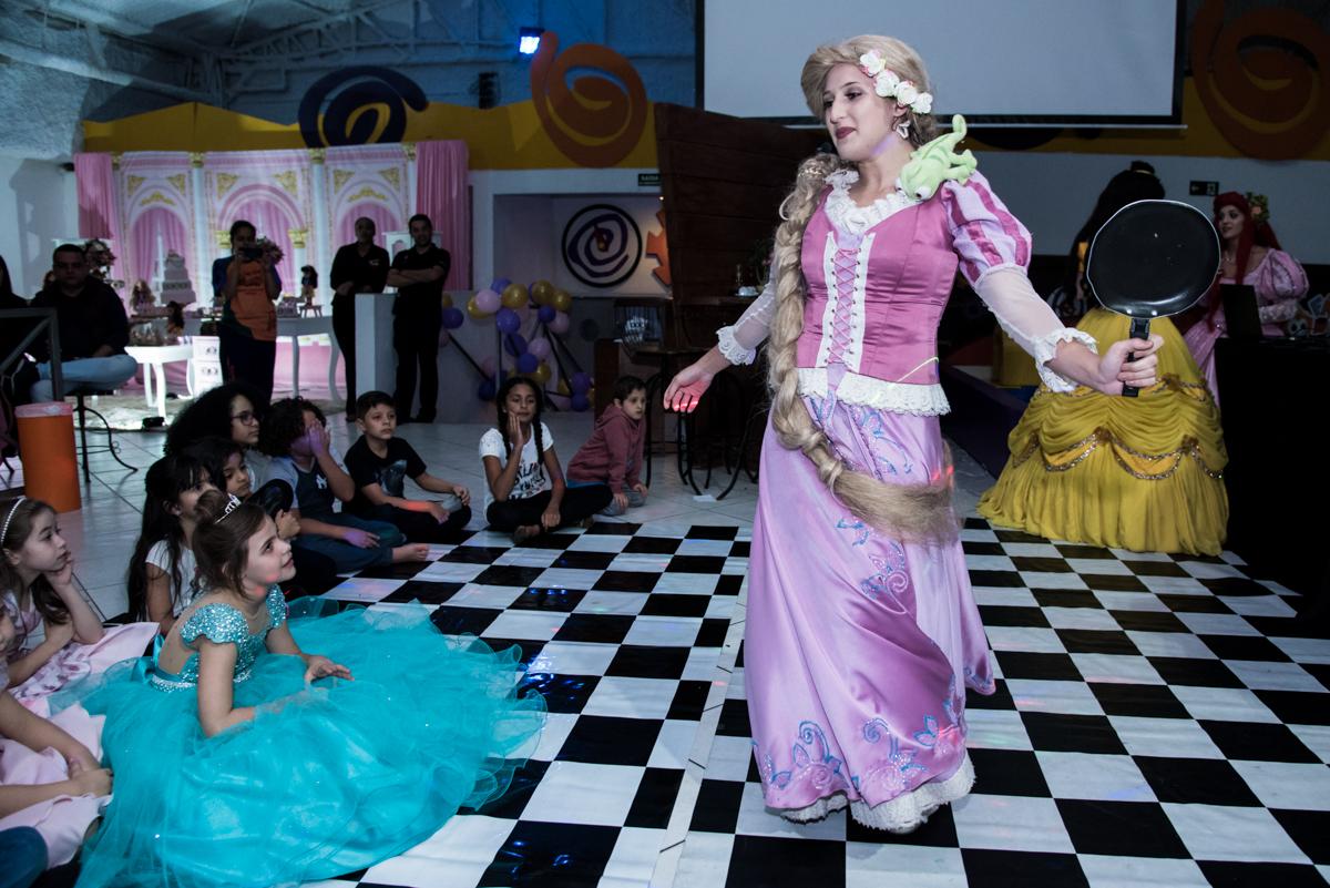show divertido com as princesas