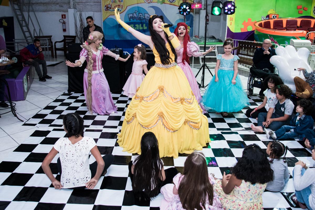 O show continua com as princesas