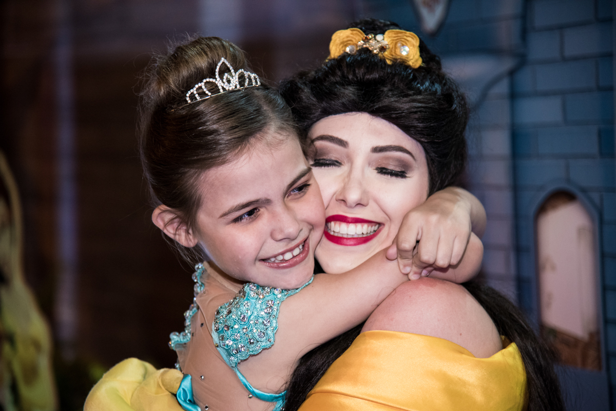 abraço gostoso na princesa Bela