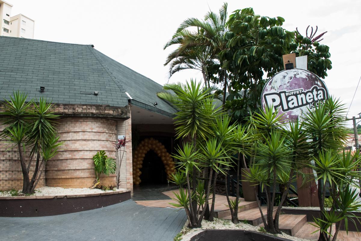 Aniversário de Maya 1 ano, festa realizada no Buffet Planeta Kids, Lapa, São Paulo, tema da festa A Bela e a Fera