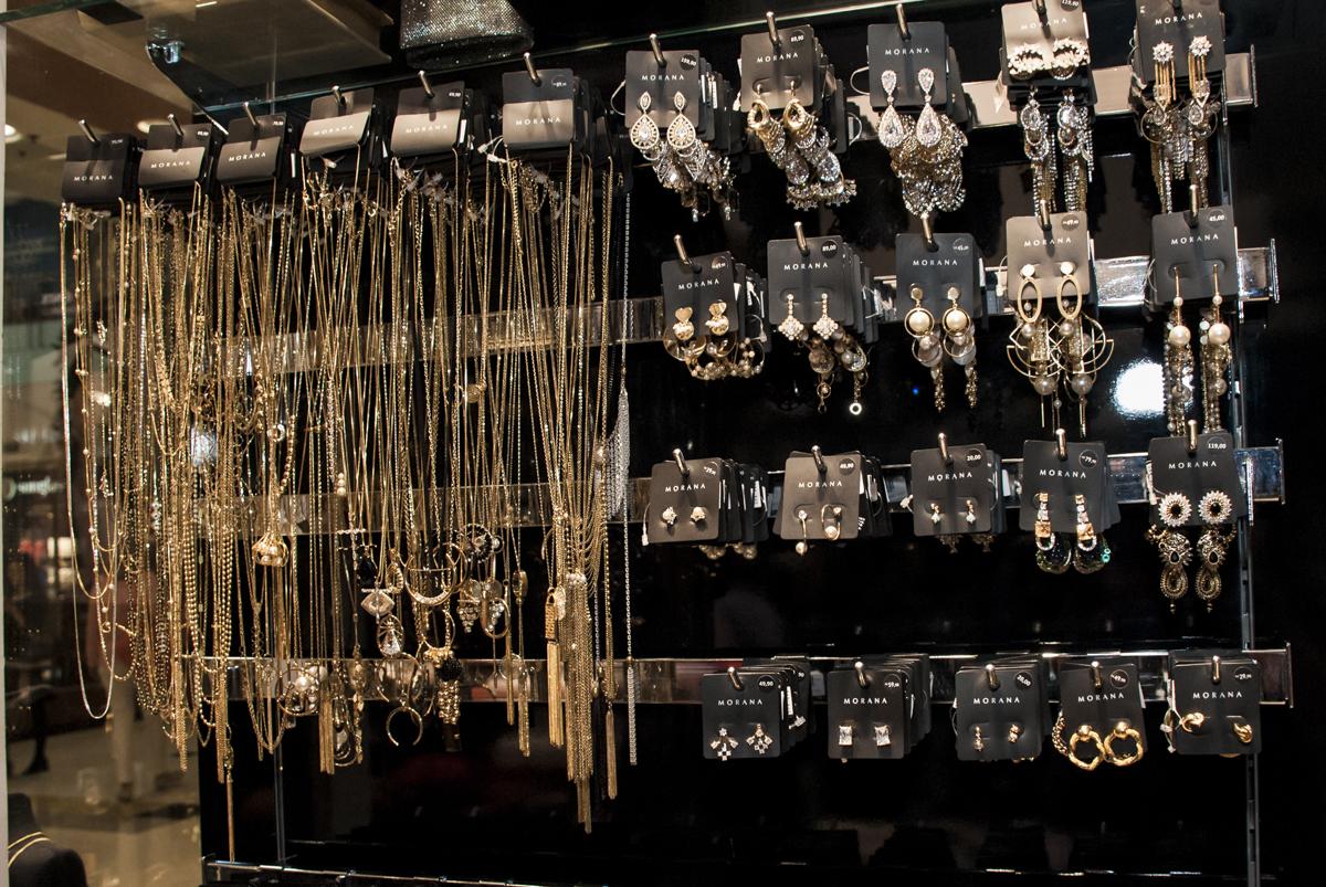 colares semi jóias morana